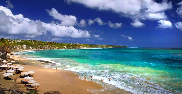 5 bãi biển cực đẹp của indonesia