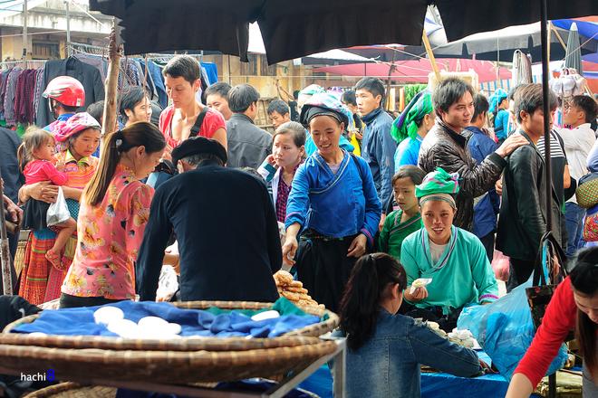 Chợ phiên cốc pài trong những mảng màu nên thơ