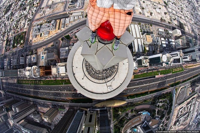 Độc đáo với chùm ảnh chụp tự sướng trên những tòa nhà chọc trời ở dubai