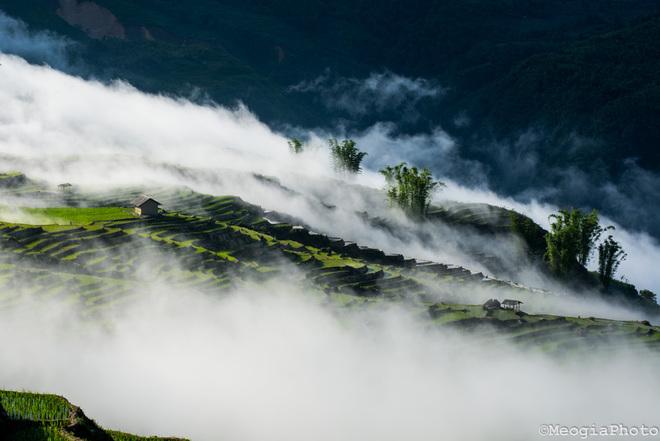 Ngắm mây y tý huyền ảo khi đông về