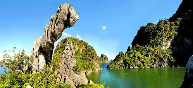 Vừa hùng vĩ vừa thơ mộng với vẻ đẹp của vịnh hạ long nhìn từ trên cao