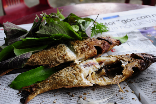 Đặc sản cá nướng sông đà thơm ngon trên đất hòa bình