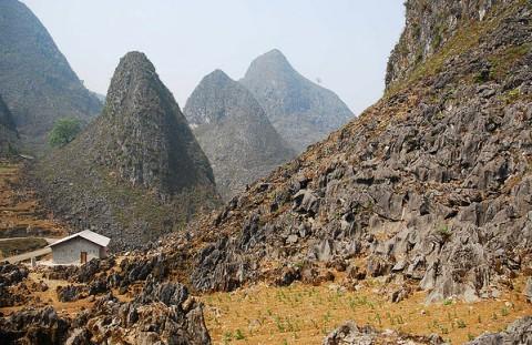 Ghé thăm cực bắc của tổ quốc - lũng cú