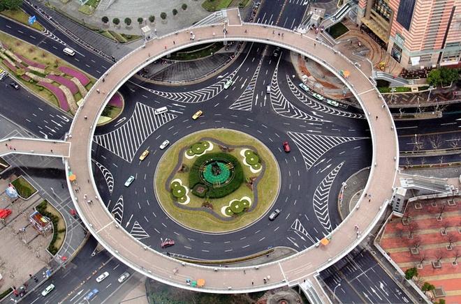 Công trình nghệ thuật độc đáo qua những vòng xuyến giao thông
