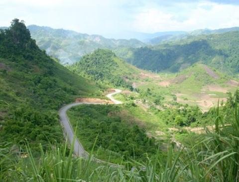 Đèo lũng lô hùng vĩ hiên ngang trong thử thách