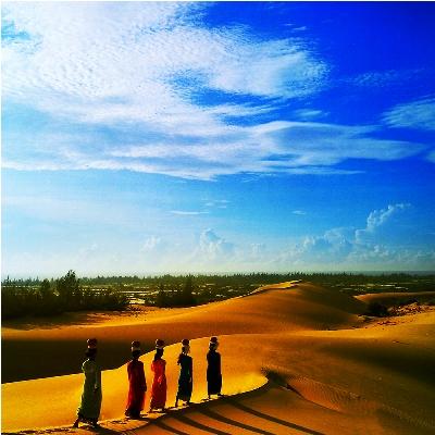 dải lụa cát nam cương hoang sơ nhưng lãng mạn