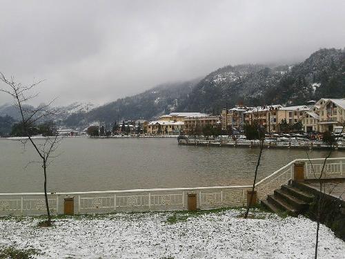 Nhìn lại sapa năm 2013 với tuyết phủ trắng hút hồn dân du lịch