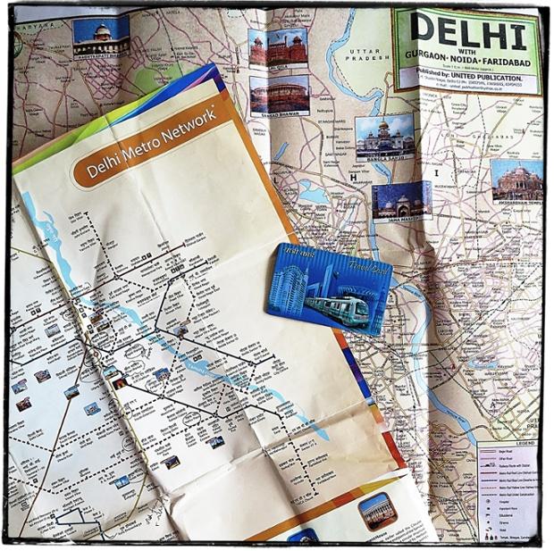 Du lịch bằng tàu điện ngầm ở new delhi