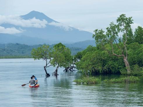 Tĩnh lặng ngôi làng bahoi đảo bunaken indonesia