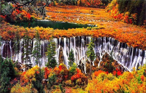 Vẻ đẹp thiên đường của cửu trại câu mùa thay lá