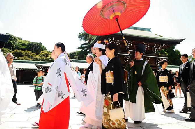 Kimono bức tranh đẹp đầy màu sắc của xứ phù tang