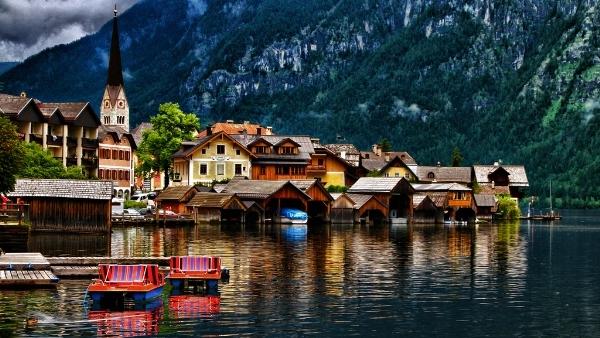 Vẻ mê hoặc của ngôi làng hallstatt đẹp nhất thế giới