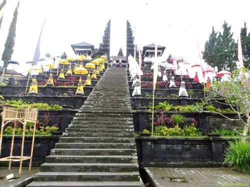4 ngôi đền thần thoại ở bali