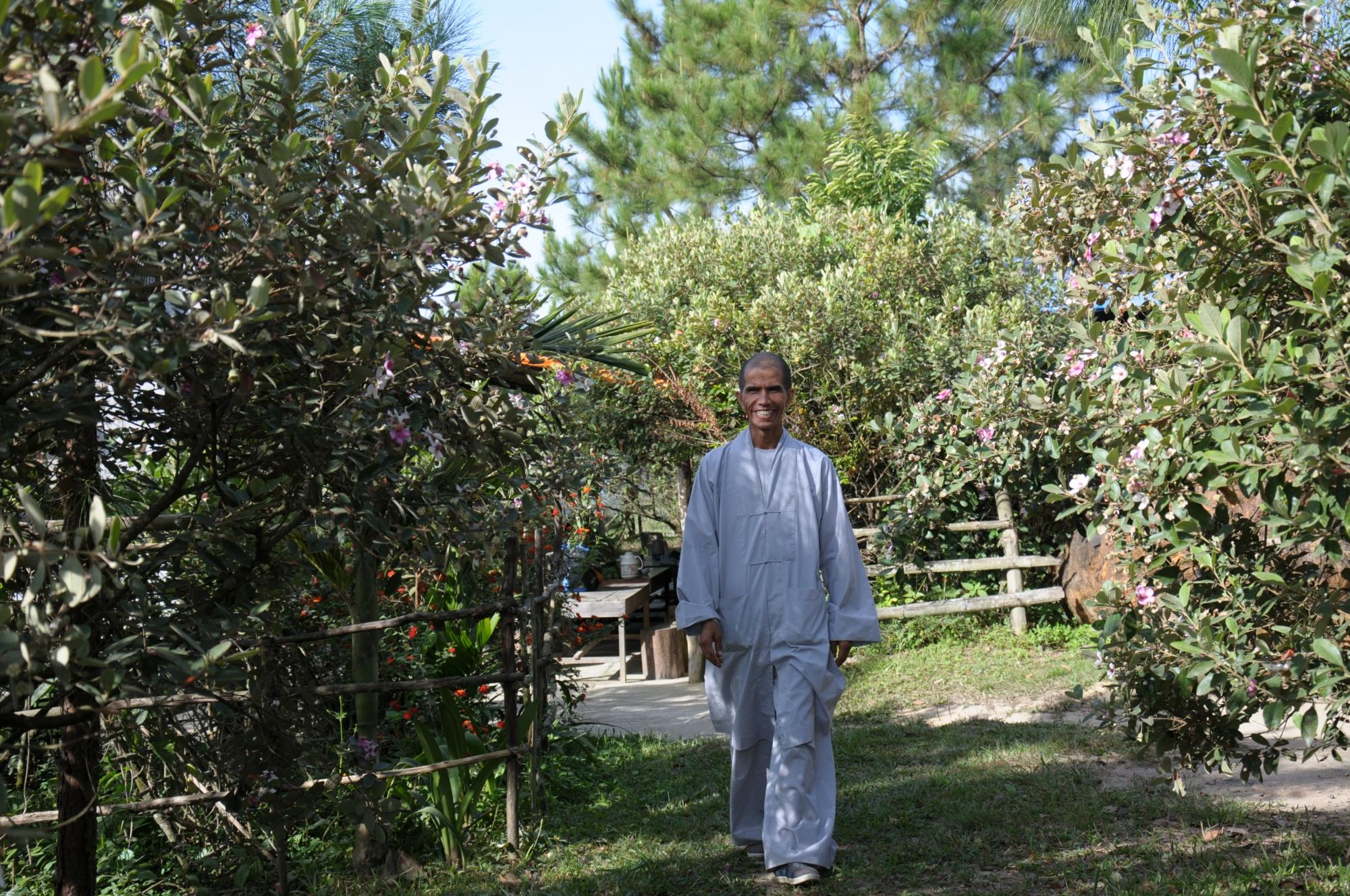Câu chuyện về người tu sĩ giống tổng thống obama ở đồi sim