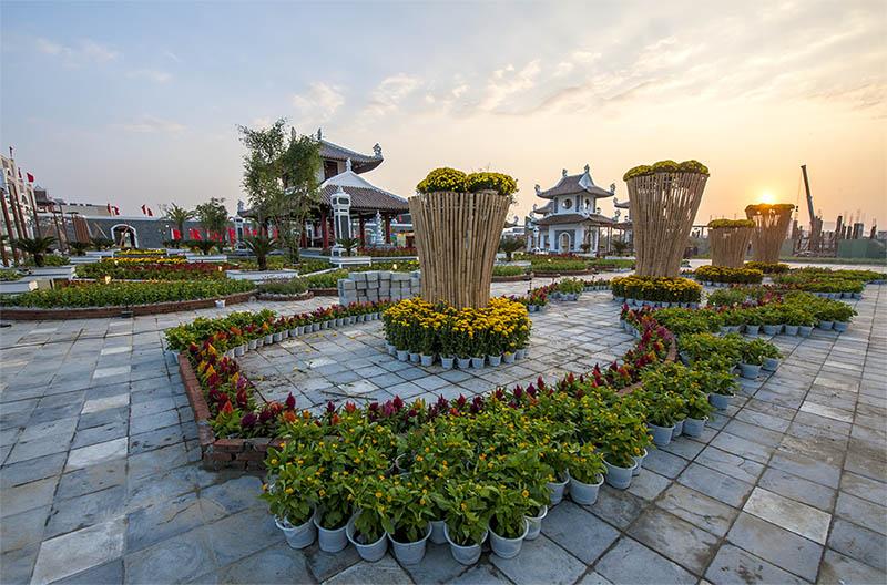 Chiêm ngưỡng thế giới sắc màu ở lễ hội hoa xuân ở công viên châu á