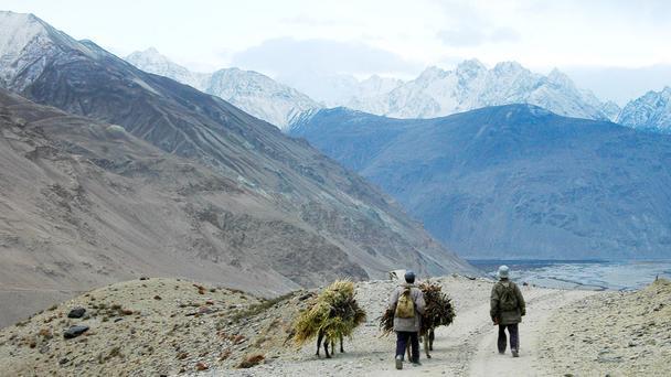 Pamir con đường hẻo lánh nhất thế giới
