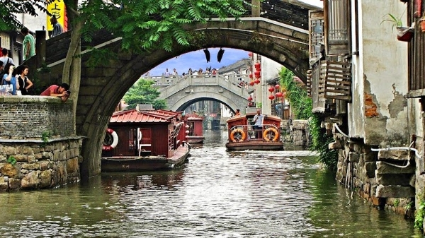 Xuôi dòng đại vận hà kênh đào dài nhất thế giới