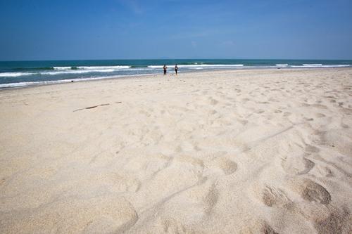 An bàng bãi biển đẹp ít được biết đến ở hội an