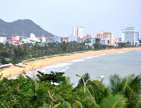 Bình định tạo bãi biển sạch để hút khách du lịch