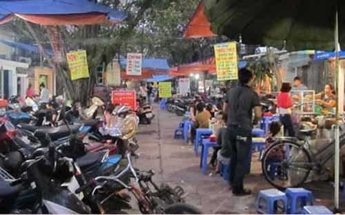 Các khu chợ là thiên đường ăn vặt ở hà nội