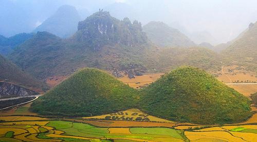 Những câu chuyện huyền thoại quanh núi đôi quản bạ