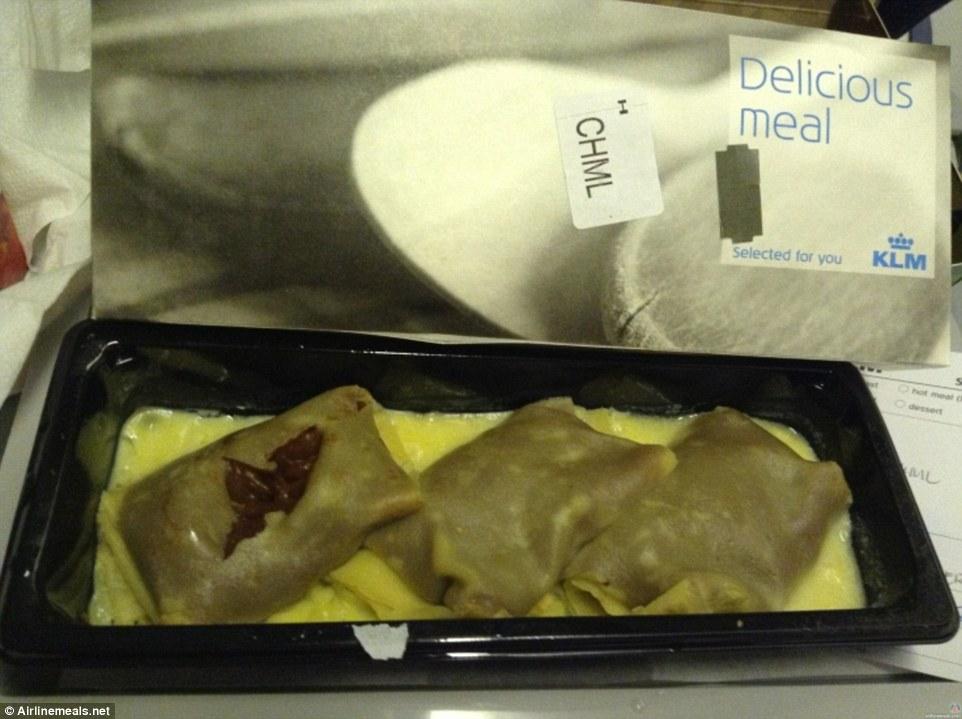 Những khẩu phần ăn bị chê dở nhất trên máy bay
