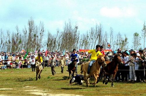 Những lễ hội đua ngựa độc đáo ở việt nam