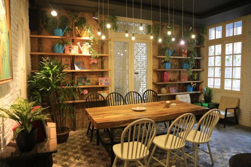 Quán cà phê ngắm hoa đọc sách ở hà nội