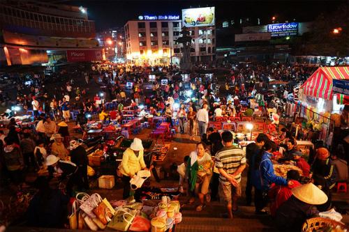 Các khu chợ đêm đa sắc màu khắp ba miền