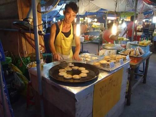 Chợ đêm cuối tuần ở phuket