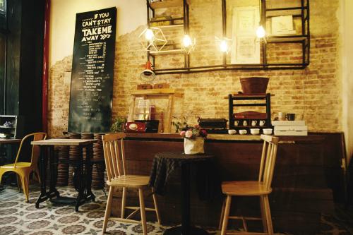 Quán cà phê phong cách xưa cũ ở sài gòn