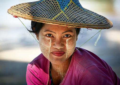 Thanaka kem chống nắng kiểu myanmar