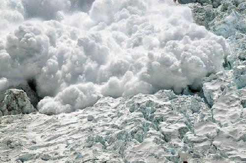 4 du khách thiệt mạng vì tuyết lở trên đỉnh everest