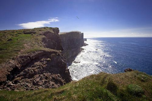 9 vách đá ấn tượng nhất thế giới