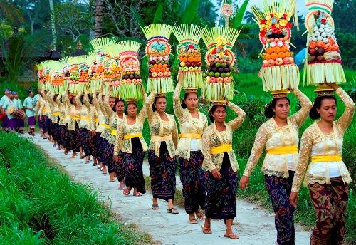 Bali hòn đảo của những đền đài và lễ hội