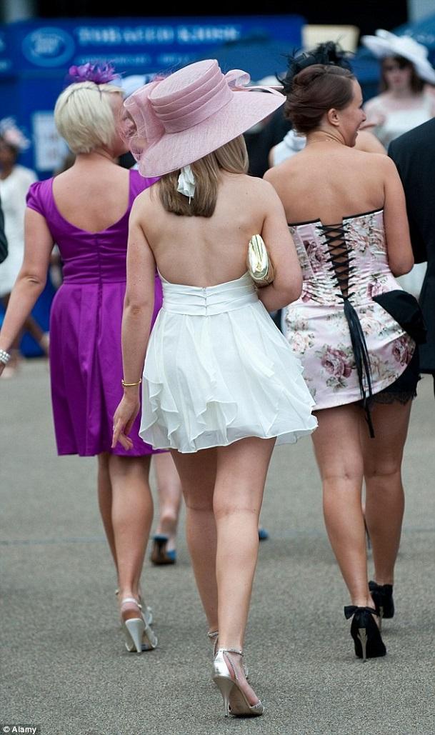 Những điều luật cấm ăn mặc phản cảm ở các quốc gia