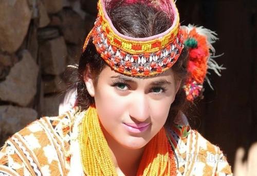 Phụ nữ bộ tộc của pakistan đẹp như người âu