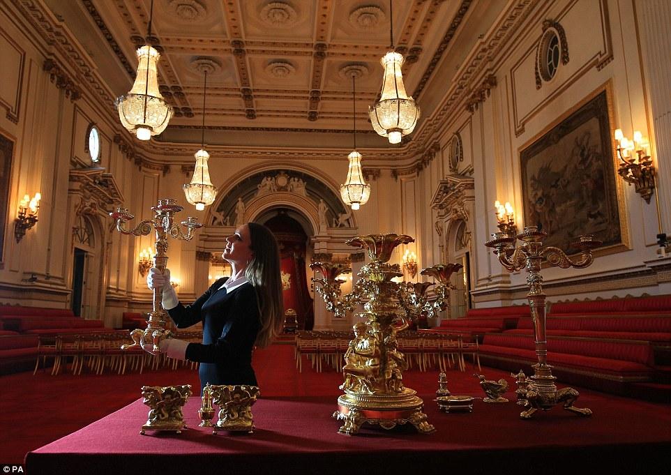 Trải nghiệm cảm giác hoàng gia trong cung điện buckingham