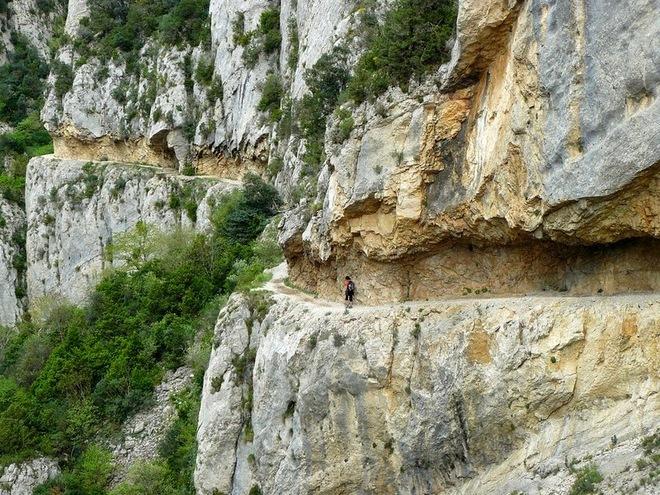 Ấn tượng trước vẻ đẹp của hẻm núi mont-rebei