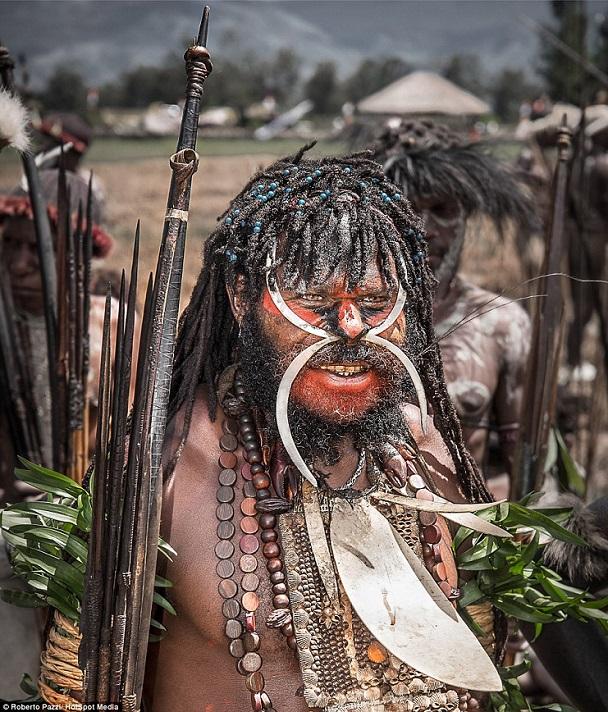 Dani bộ lạc nguyên thủy còn sót lại của thế giới loài người