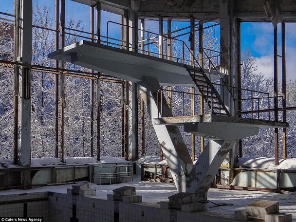 Loạt ảnh siêu hiếm ở thị trấn ma 30 năm sau thảm hoạ chernobyl