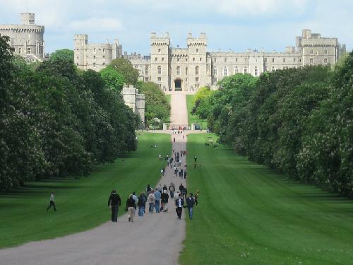 5 lâu đài cổ kính tuyệt đẹp ở châu âu