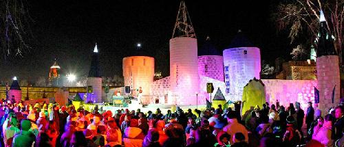 Lễ hội mùa đông lớn nhất thế giới ở quebec canada