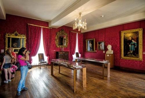 Maison de victor hugo nơi ra đời những người khốn khổ