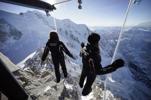 Thử thách lòng can đảm trên ngọn núi cao nhất châu âu