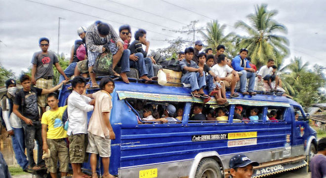 Những chuyến xe quá tải trên khắp thế giới