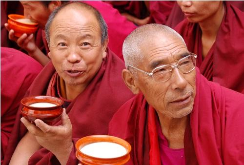Chu du thế giới trong một tach trà