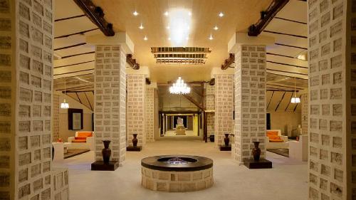 Khách sạn làm từ muối ơ bolivia