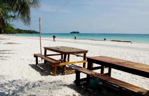 Khám phá vẻ đẹp trên đảo koh rong - campuchia
