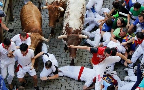 Những lễ hội rộn ràng trên thế giới trong tháng 7